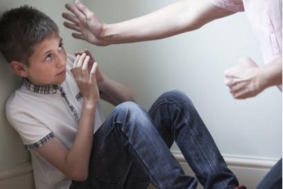 Признаки жесткого отношения и насилия по отношению к ребёнку