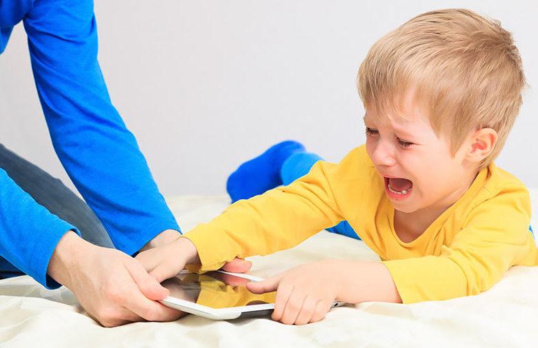 Как оторвать детей от гаджетов без скандала
